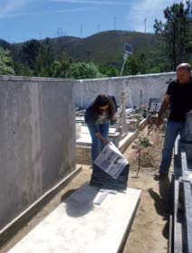 Descerramento da lápide do centenário d'O Ribeira de Pera pela neta do atual Diretor, Francisca C.
