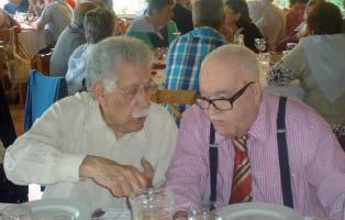 Kalidás Barreto em amena cavaqueira com o colaborador Vitor Camoezas