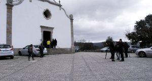 Mosquitos por cordas na Igreja. Paróquia de castigo