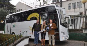 Novo autocarro de transportes escolares