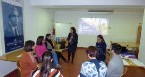 Programa de educação parental apresentado a pais e encarregados de educação